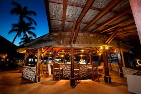 Royal Palm bar at night