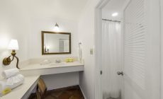 oceanview_bathroom2-_r
