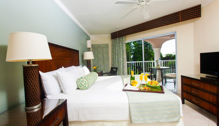 stjamesclubmorganbay-1-bedroom-garden-view-suite-bedroom-ii-x3