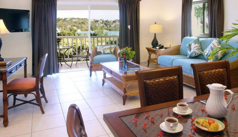 theverandahresortandspa_suites_twobedroomsuite_livingarea3