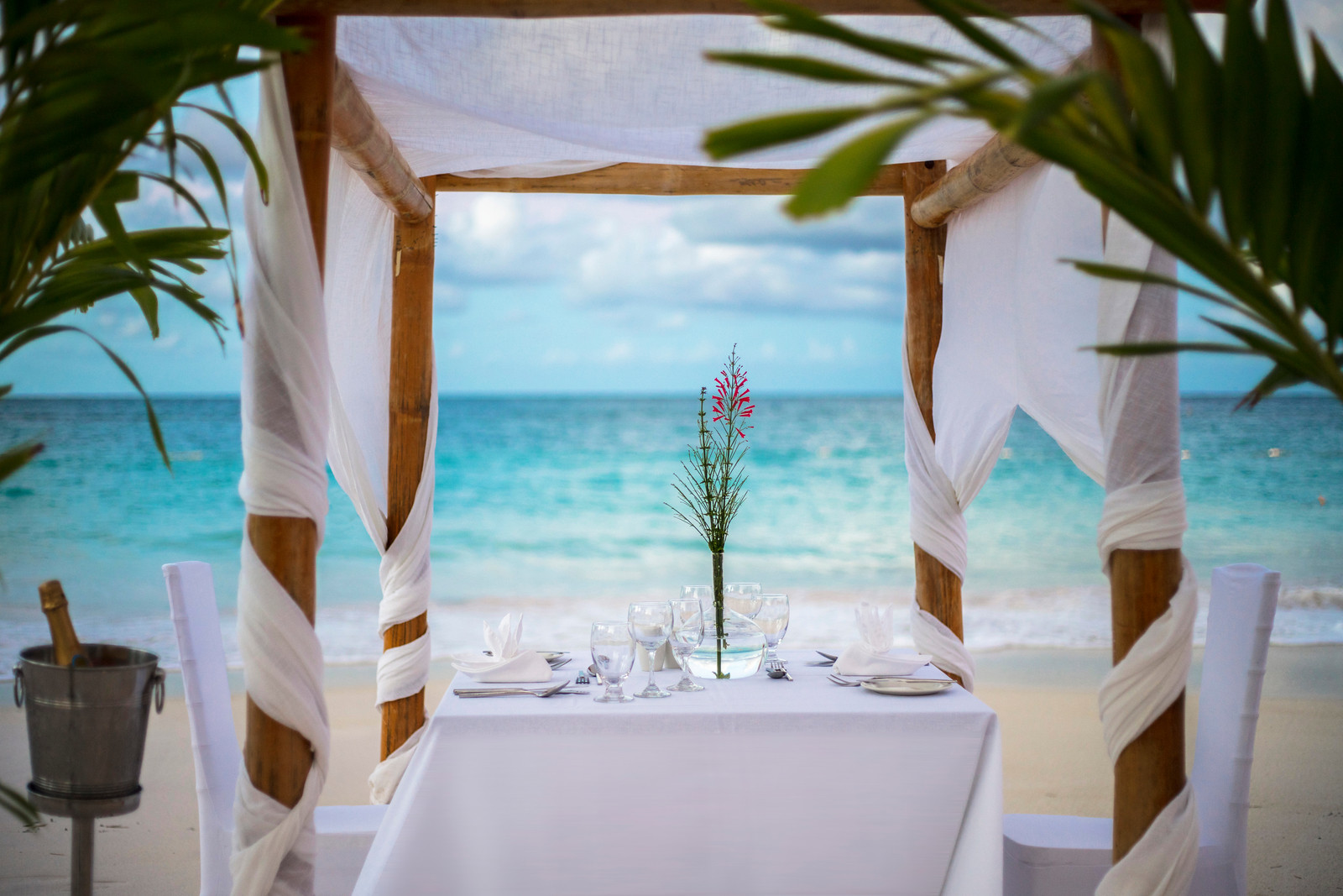 Romantic dinner at Pineapple Beach Club
