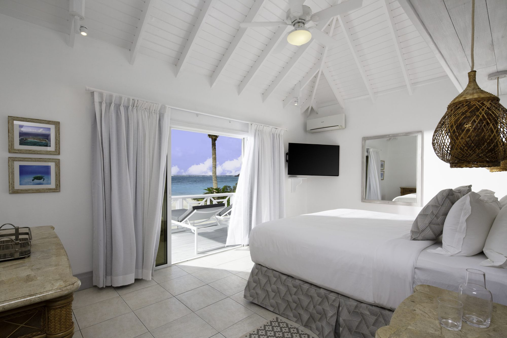 Seafeather villa double room beach view at Palm Island Resort & Spa