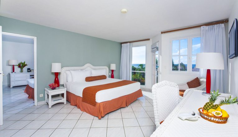 stjamesclubmorganbay-accommodations-family-suite-1-min