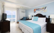 oceanview_largebed_bedroom_outview